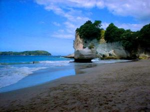 Cathedral Cove 3cropped