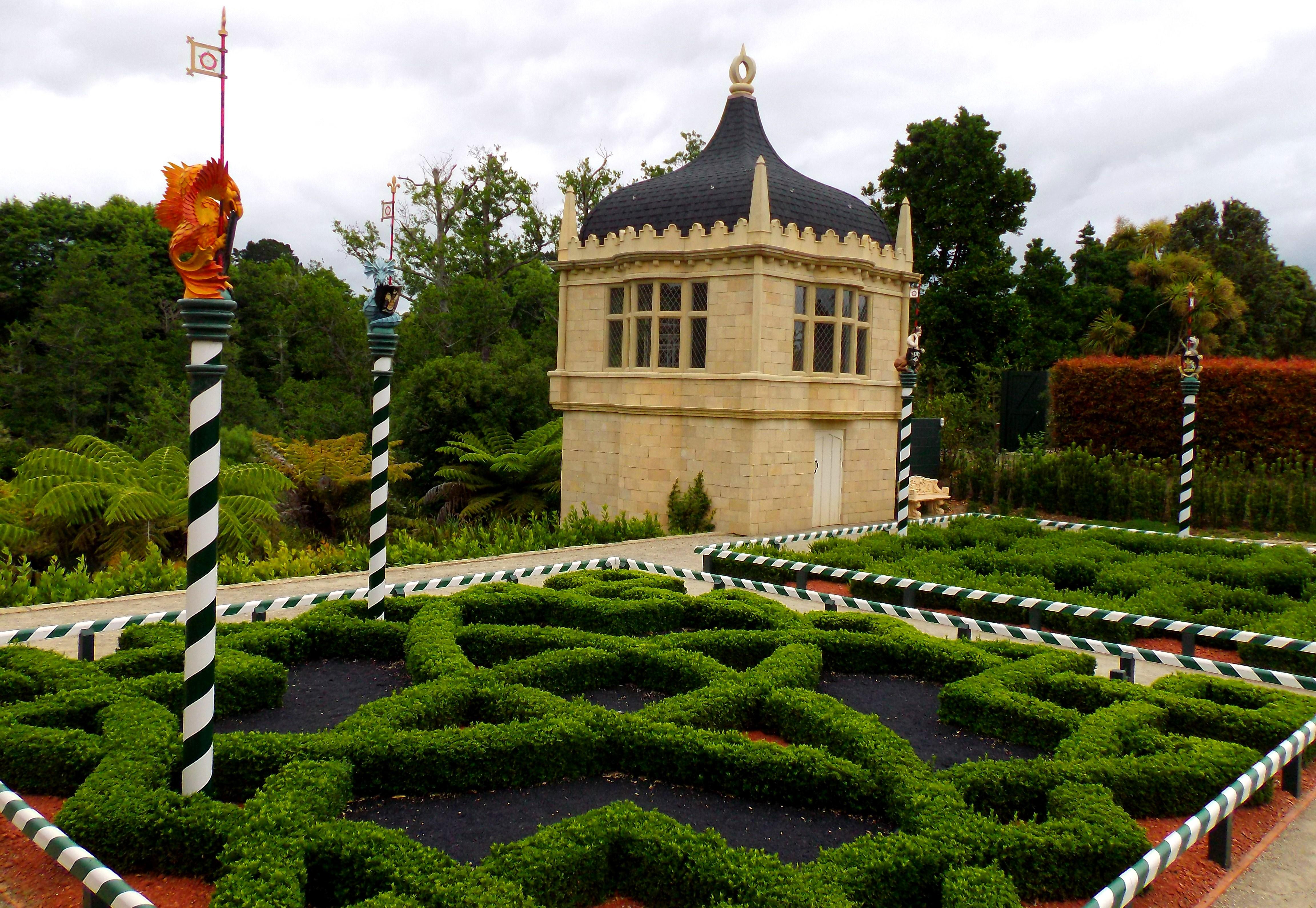 Getting Lost In Fantasy Gardens