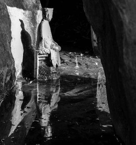 statue cave chinese garden hamilton