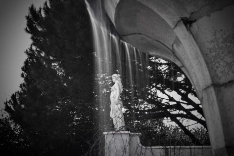 statue italian garden hamilton